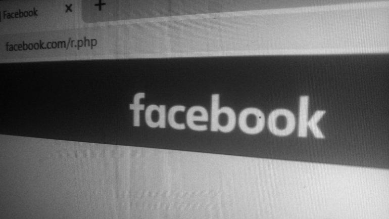 Facebook Black White
